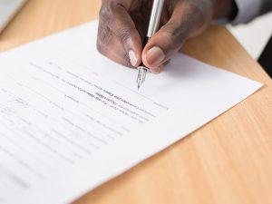 会社設立に必要な定款について解説!記載事項や認証手続とは